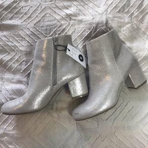 NWT metallic booties